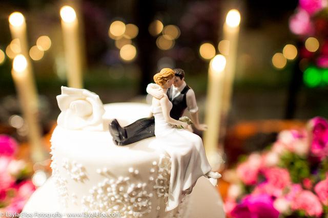 Auxiliamos na escolha de tipos de topo cakes os famosos noivinhos