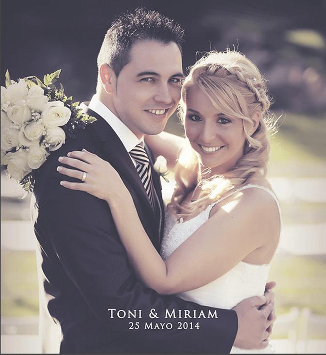 Lovely photo, una pareja ideal !! Look de nuestra novia con trenza a modo de corona con románticas ondas suaves y maquillaje en tonos malva !:)