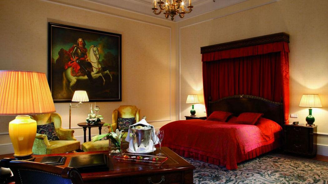 Beispiel: Suite, Foto: Hotel Taschenbergpalais Kempinski.