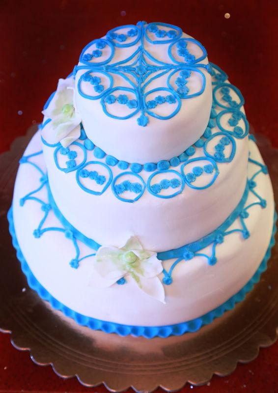 Свадебный торт с покрытием из мастики
