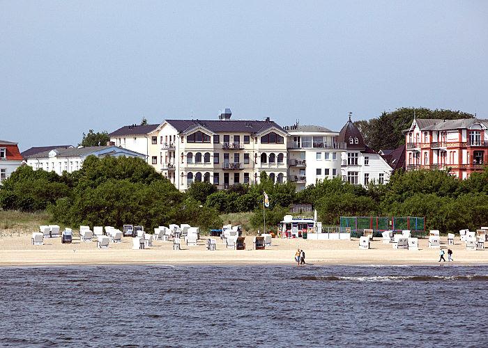 Beispiel: Hotel vom Wasser aus, Foto: Das Ahlbeck.