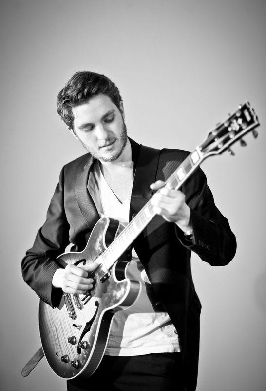 Beispiel: Gitarre, Foto: Jazz Appeal.