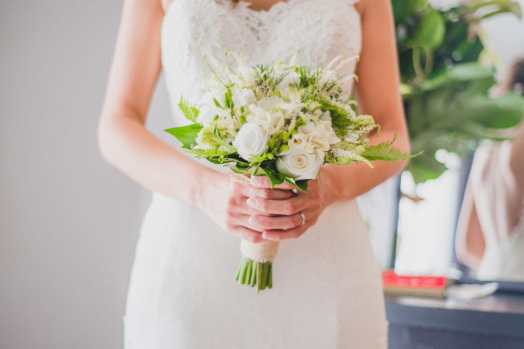 M+C El ramo - efeunoocho fotografía de boda