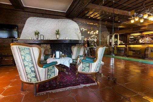 Beispiel: Bar, Foto: Hotel Hubertushof Anif.