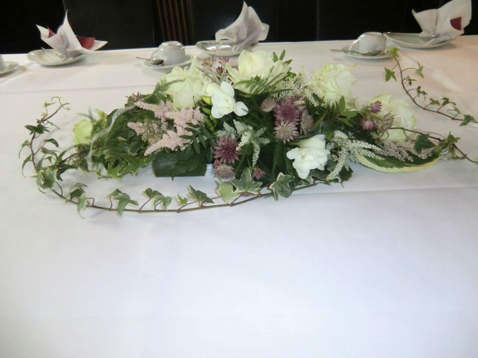 Beispiel: Blumen für das Bankett, Foto: Blumenhaus Wasser.