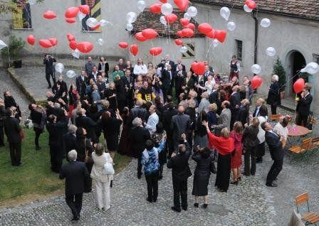 Beispiel: Hochzeitsgesellschaft, Foto: Rittersaal Waldburg.