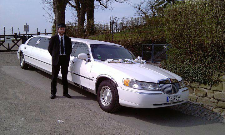 Beispiel: Stretchlimousine als Hochzeitsauto, Foto: Funcars Süd.