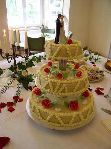 Beispiel: Hochzeitstorte, Foto: Schloss Neuhausen.