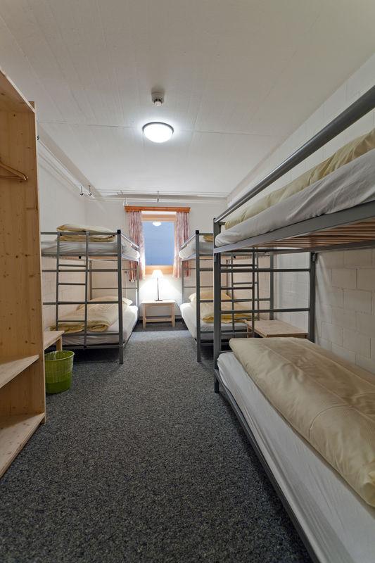 6-Bett Zimmer, davon gibt es drei