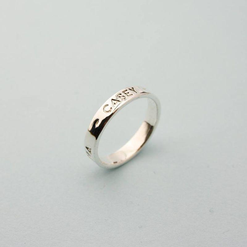 Impress ring zilver met kindernamen