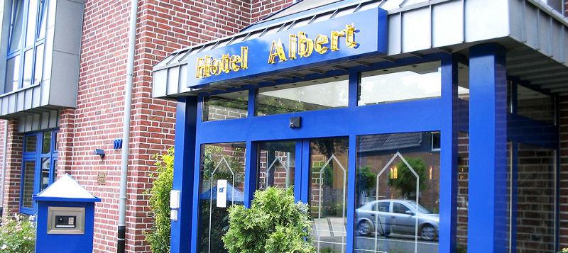 Beispiel: Eingang, Foto: AKZENT Hotel Albert.