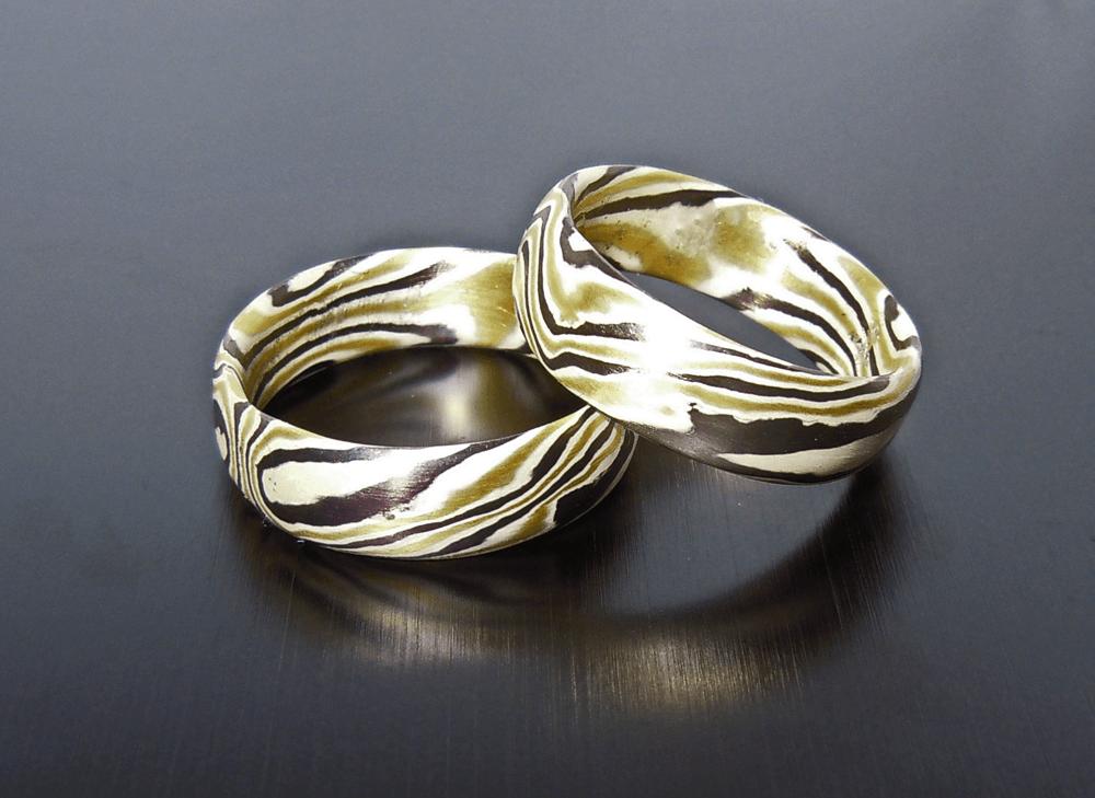 Beispiel: Mokume-Gane Ringe aus Silber, Gold und Palladium, Foto: Trauringkurse-Darmstadt.de