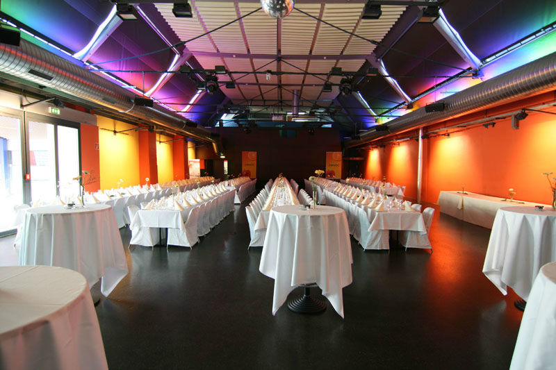 Beispiel: Festsaal, Foto: Otten Gravour.