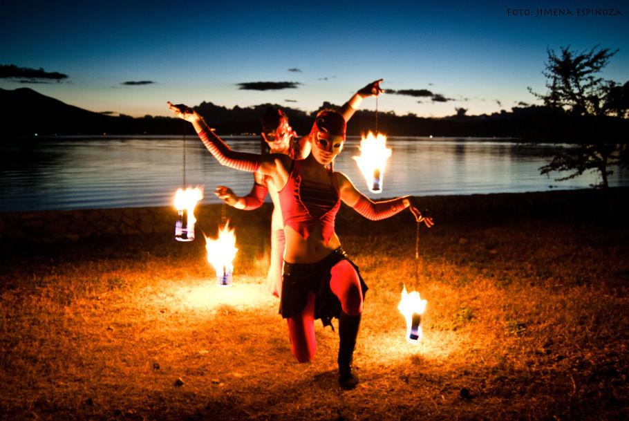 Shows de fogo http://bookastreetartist.com/pt/espetaculos-de-fogo