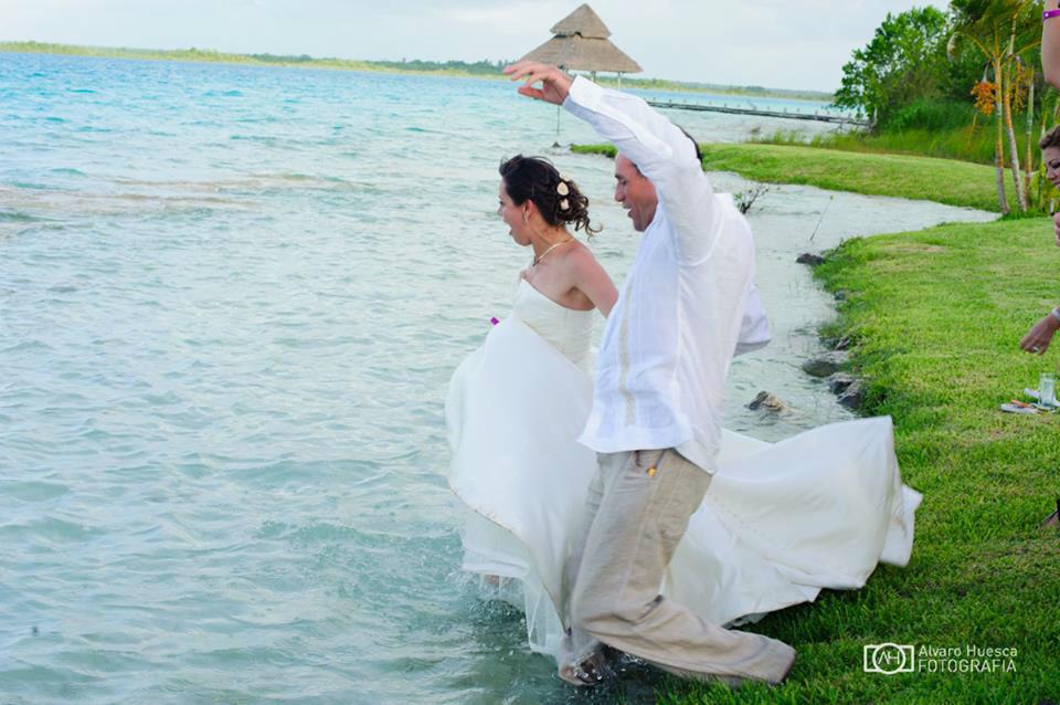 Diviertete en tu boda   y Disfruta  la Laguna de Bacalar !