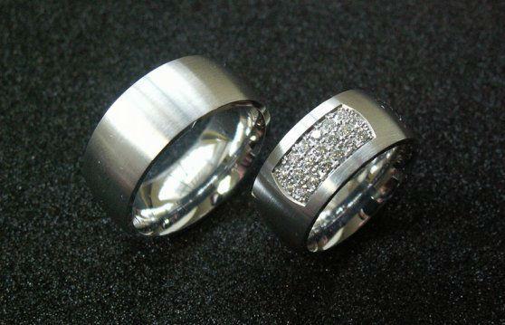Beispiel: Ringe für ein Leben zu zweit, Foto: Loosli Schmuck.