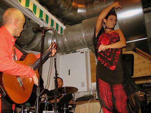 Beispiel: Band, Foto: Diego´s Canela.