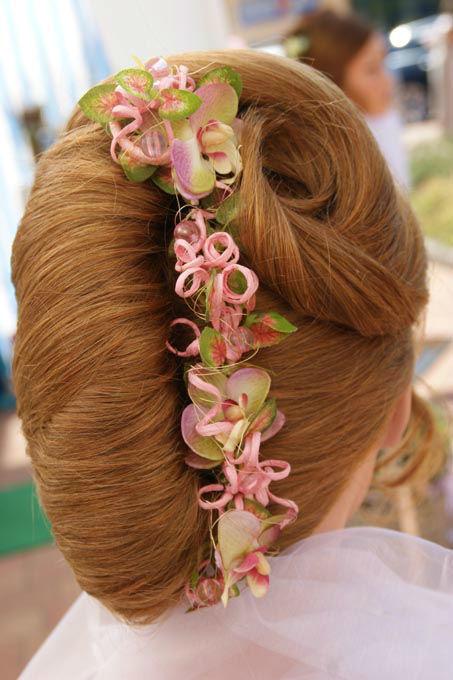 Beispiel: Haarschmuck für die Braut, Foto: Sandra's Blütenzauber.