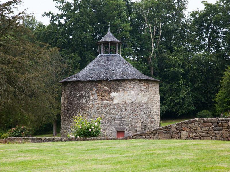 Château de Miniac Morvan- le pigeonnier