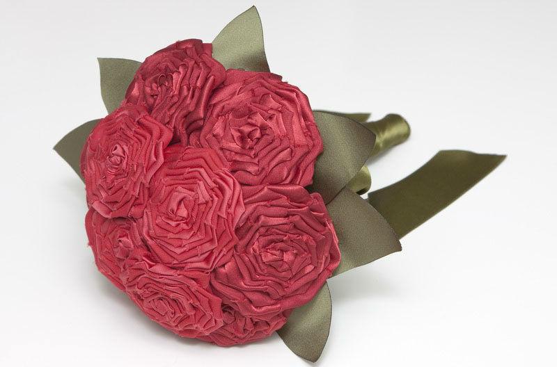Ramo de novia de rosas de tela