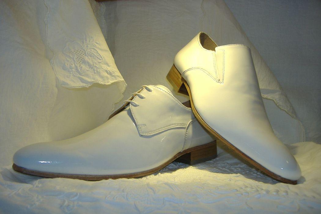 Sapatos de noivo branco