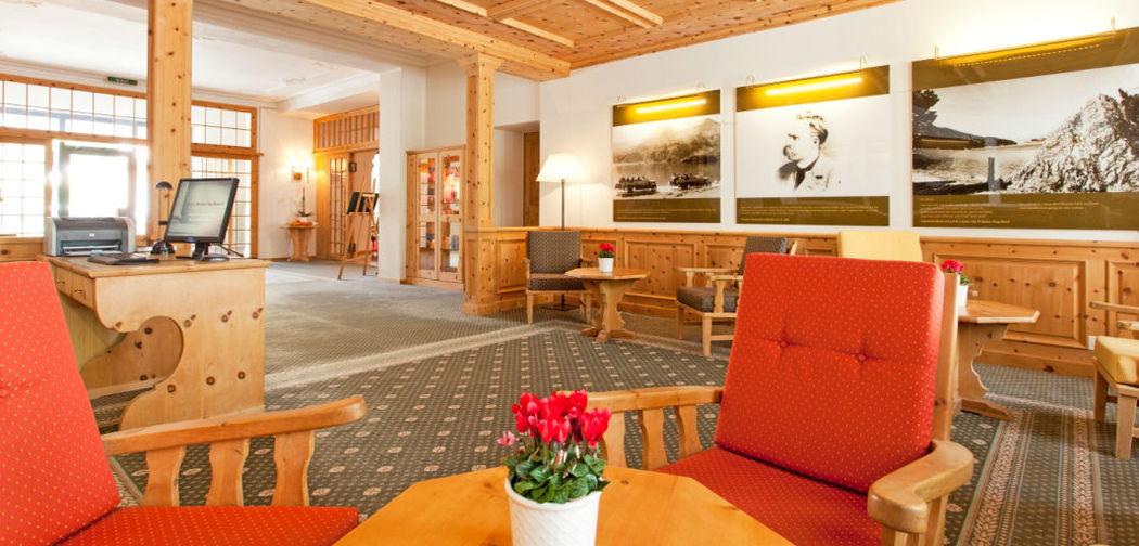 Beispiel: Foyer, Foto: Hotel Edelweiss.