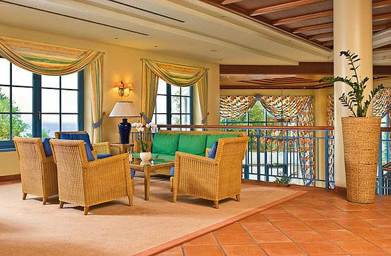 Beispiel: Hotellobby, Foto: Travel Charme Kurhaus Sellin.