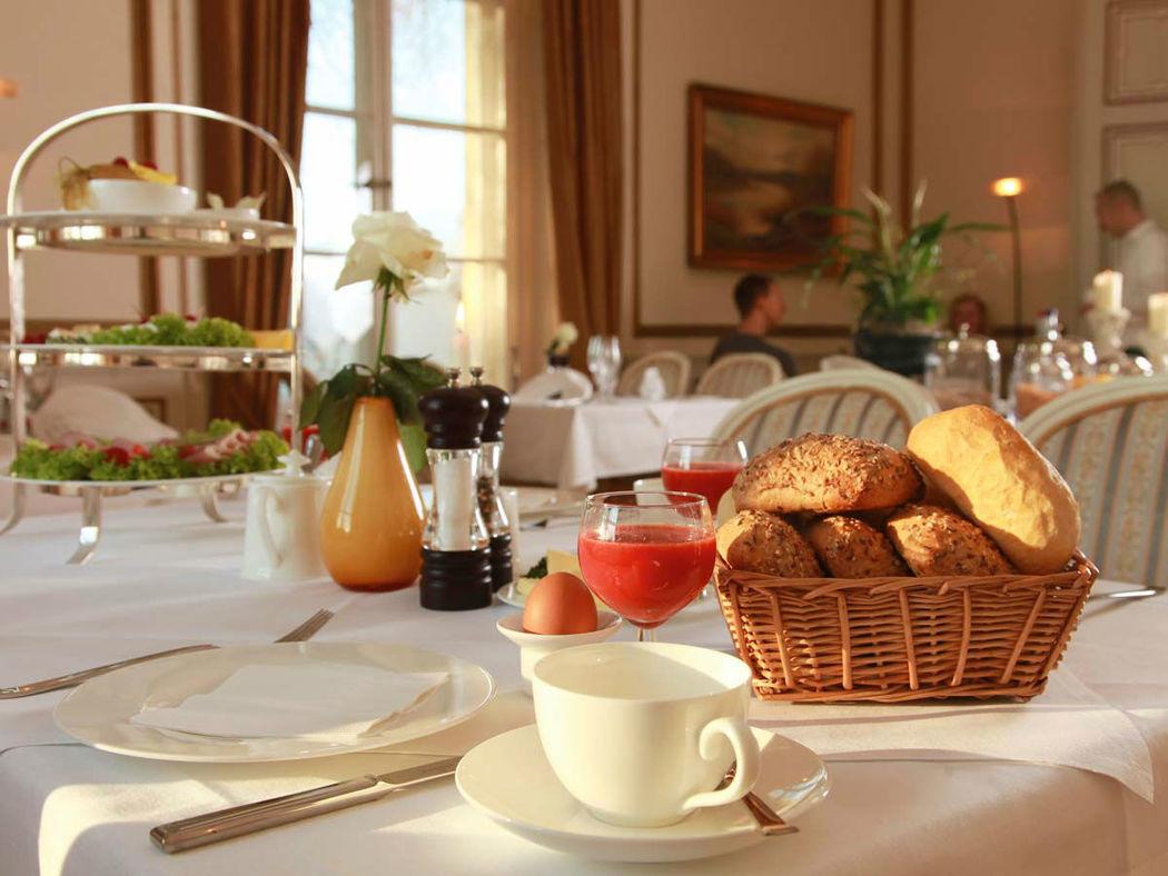 Beispiel: Eindrücke vom Restaurant, Foto: Schloss-Hotel Kittendorf.