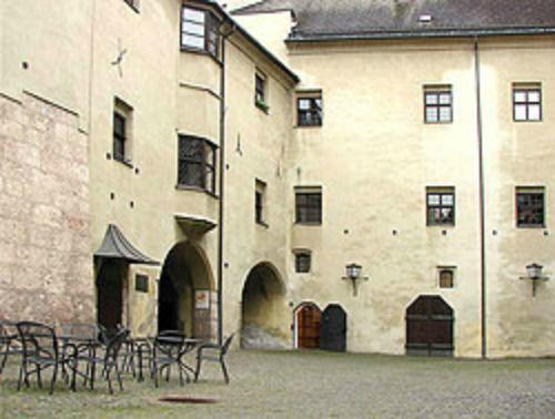 Beispiel: Burghof, Foto: Burg Hasegg.