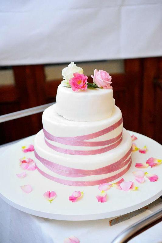 Beispiel: Hochzeitstorte, Foto: Hochzeitswerkstatt.