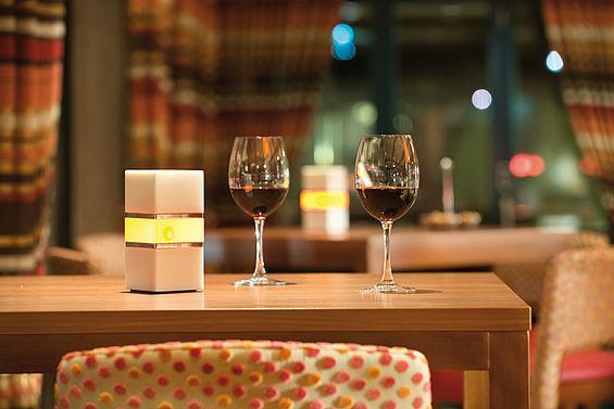 Beispiel: Bar Patio, Foto: Travel Charme Strandhotel Bansin.