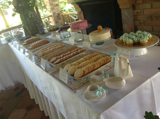 Tarde de té, galletas, brownies, tortas, chocolates y más.