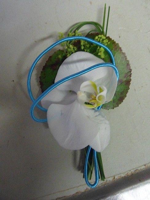 Beispiel: Anstecker für den Bräutigam, Foto: Blumen Katja Lang.