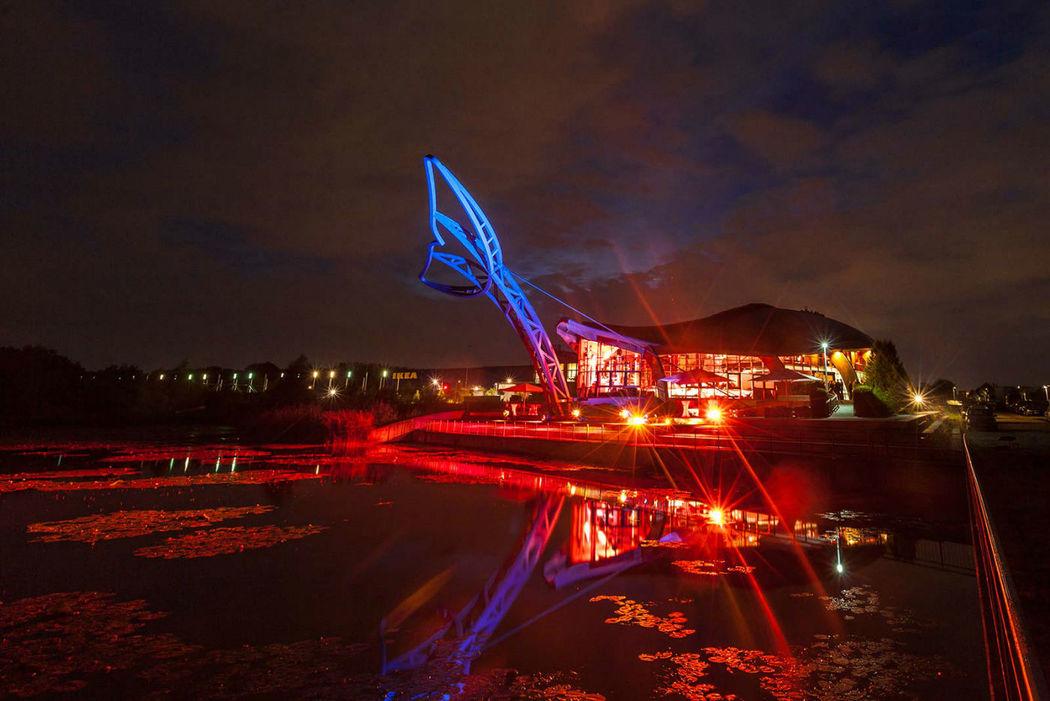 Beispiel: Außenansicht beleuchtet bei Nacht, Foto: Expowal.