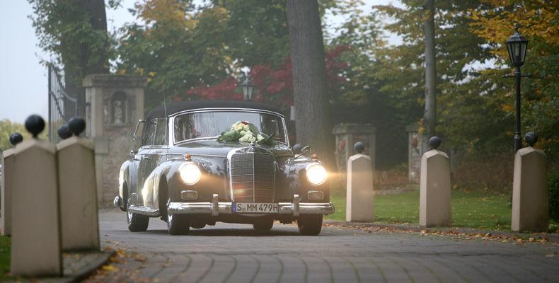 Beispiel: Hochzeitsauto, Foto: Burg Schwarzenstein.