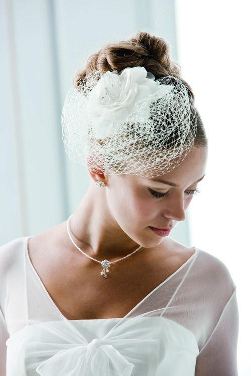 Beispiel: Netzschleier für die Braut, Foto: Bigis Schatzkiste.