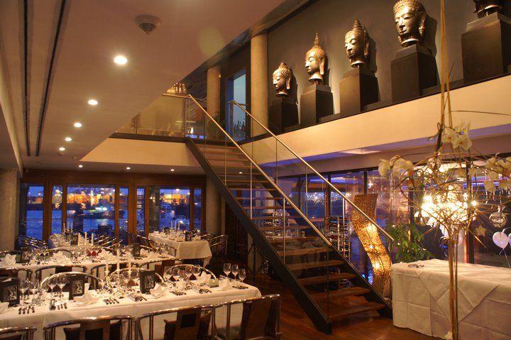 Beispiel: Restaurant, Foto: IndoChine waterfront + restaurant.