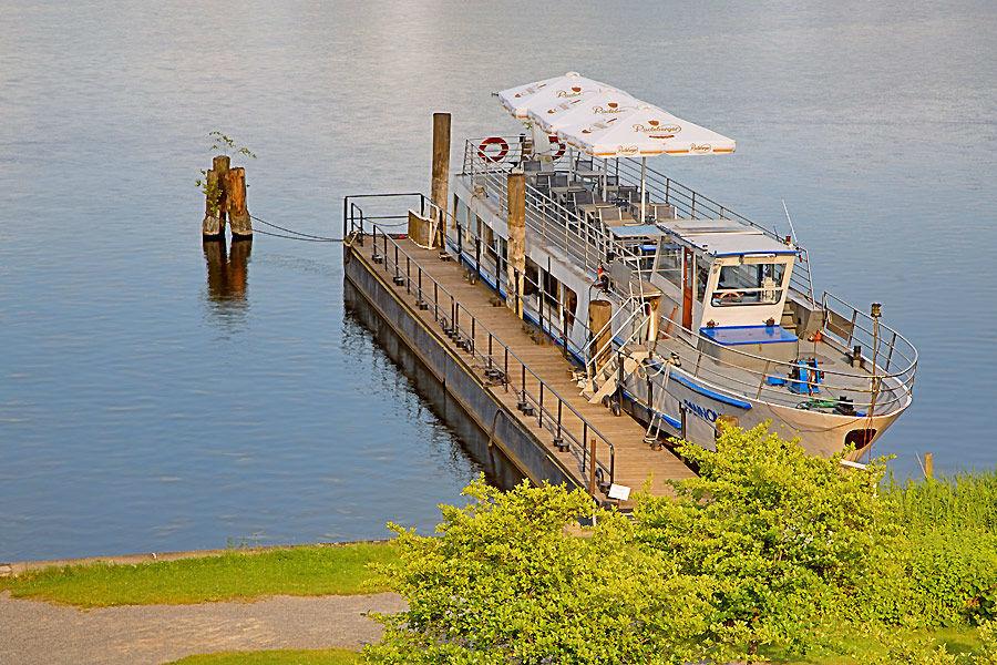 Beispiel: Schiffsanleger, Foto: Seehotel Zeuthen.