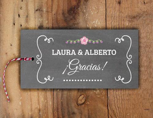Etiquetas Flourish para los regalos de los invitados!! Las puedes colgar en botellines de licor para regalar a los chicos, en botecitos de esmalte de uñas para ellas, tarritos de chuches, en ramitos de flores, en dulces caramelos, deja volar tu imaginación y SORPRÉNDELOS!!!!