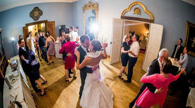 Beispiel: Hochzeitstanz, Foto: Romantik Hotel Schloss Mondsee.