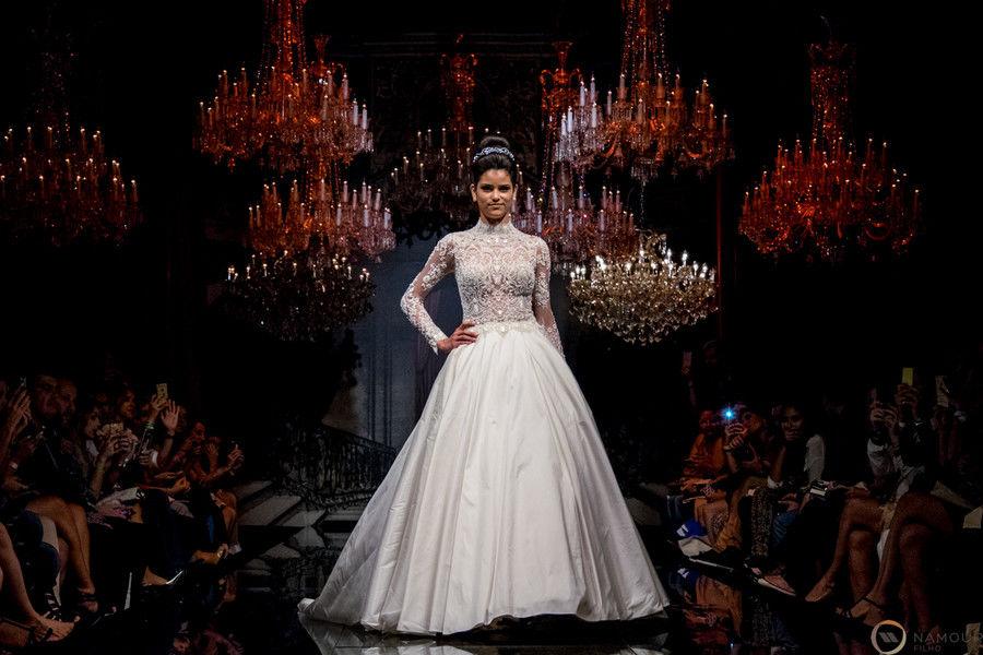 Desfile Coleção Rainha Victoria 2015 Solaine Piccoli no Salão Casamoda Noivas