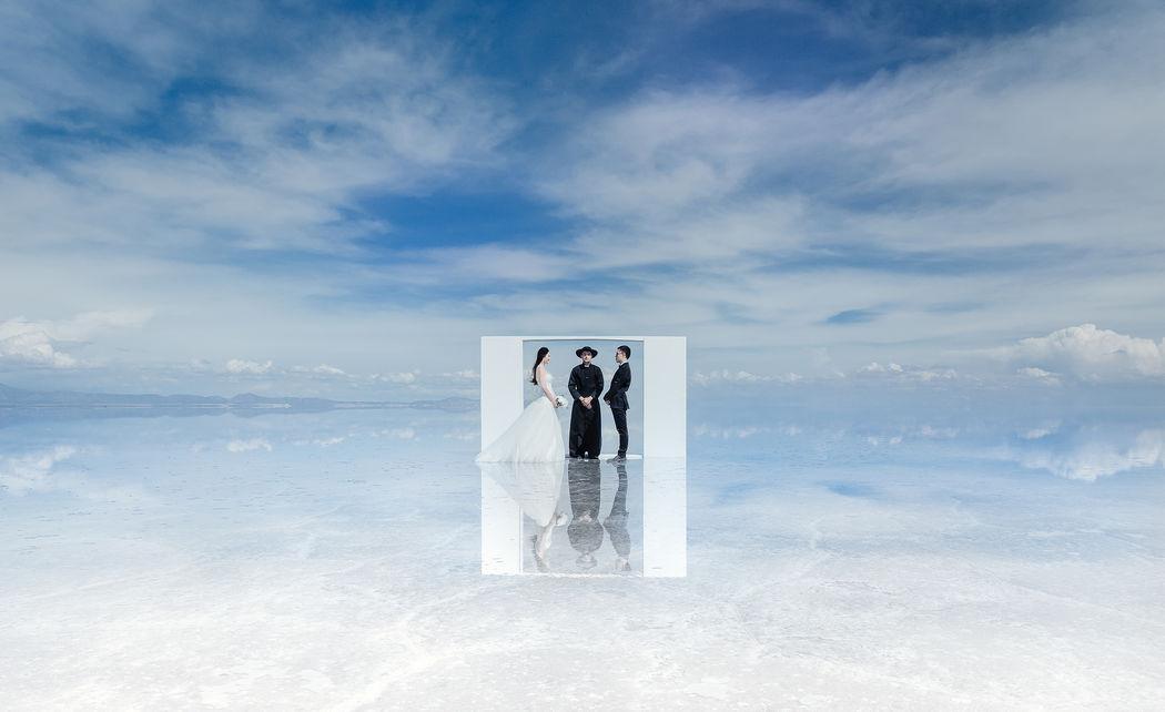 Съемка свадьбы для двоих в Южной Америке, в Боливии, в высокогорной пустыне (3700м-4900м) Уюни.