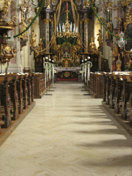Beispiel: Kirchendekoration, Foto: Hochl & Co.