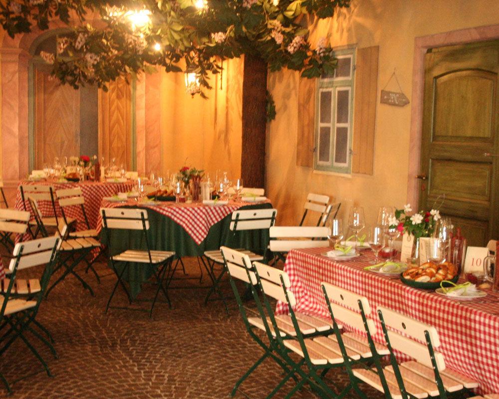 Beispiel: Indoor-Biergarten, Foto: Hotel Schreiegg's Post.
