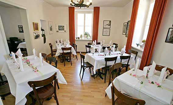 Beispiel: Schlosscafé, Foto: Schloss Fachsenfeld.