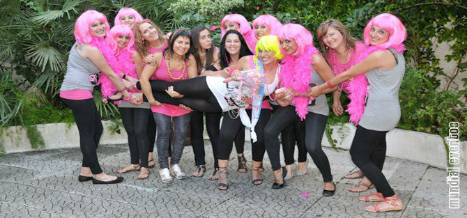 Foto: Mundial Eventos ® – Festas à sua medida ®: Book Fotográfico: Noiva + Grupo