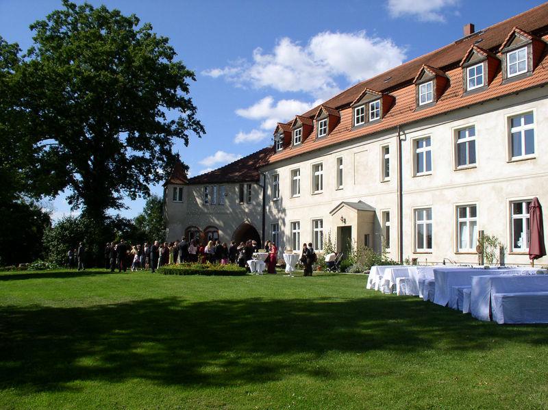 Beispiel: Außenansicht - Schlossgarten, Foto: Schloss Neuhausen.