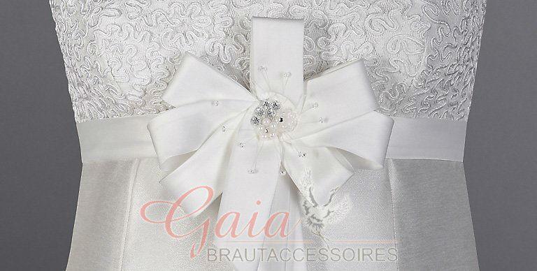 Beispiel: Brautkleidergürtel, Foto: Gaia Brautaccessoires.