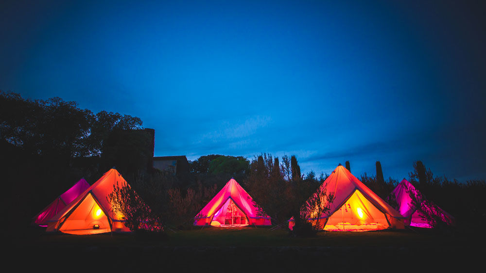 Wedding Camping au Château Val Joanis Crédits photo : Thibaud Chappe Photographie- Mon Wedding Camping