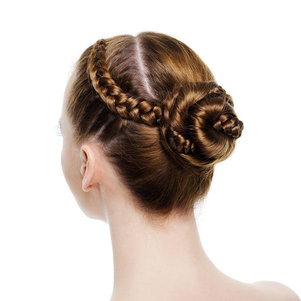 Beispiel: Hochsteckfrisur für die Braut, Foto: Le Salon Deluxe.